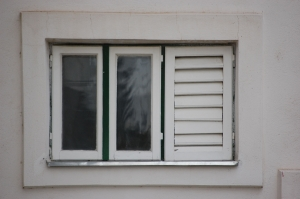 Insulating windows to save energy